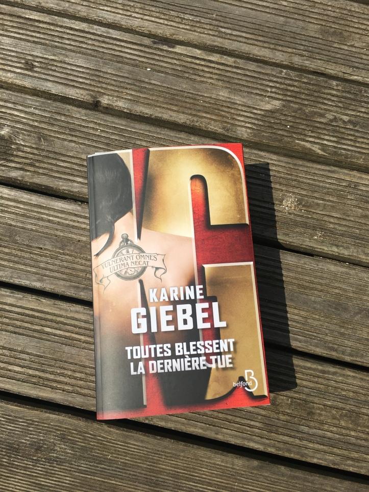 Toutes Blessentla Dernière Tuekarine Giebel Lire Et Courir